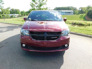 2018 Dodge Grand Caravan SE Plus Minivan