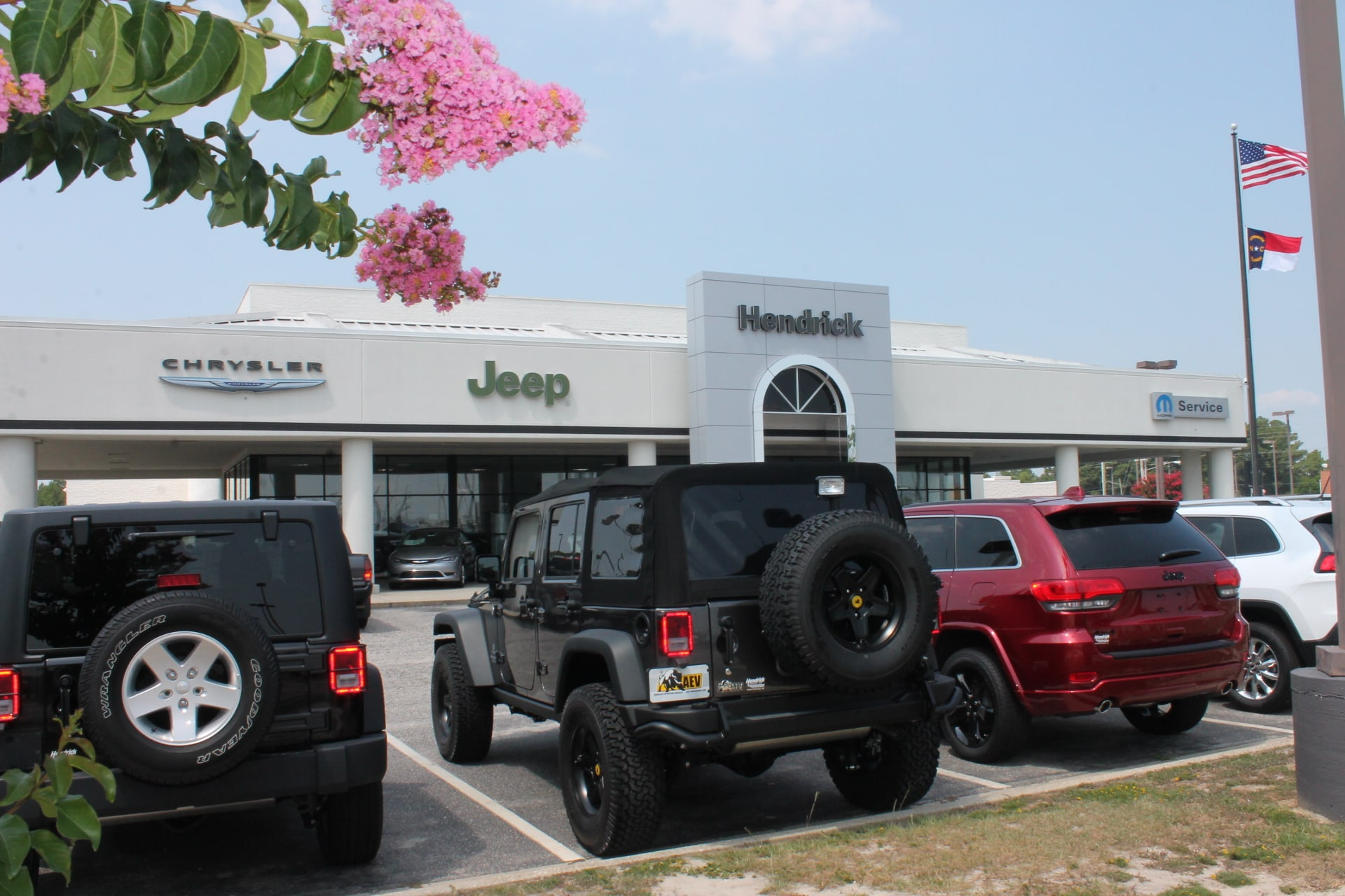 hendrick chrysler jeep vehicles for sale in fayetteville nc 28303. Black Bedroom Furniture Sets. Home Design Ideas