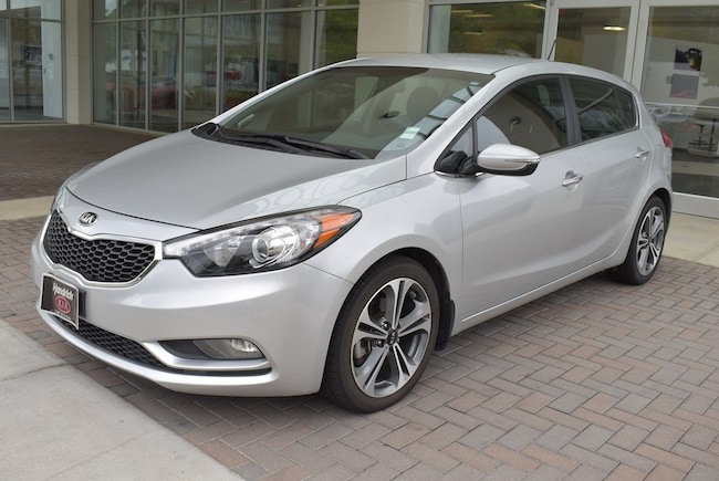 2016 Kia Forte 5-Door EX Hatchback