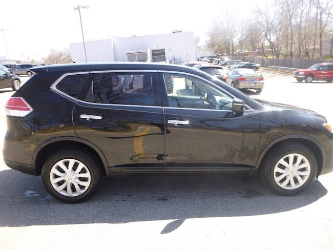 Certified Pre-Owned 2015 Nissan Rogue S SUV in Charleston