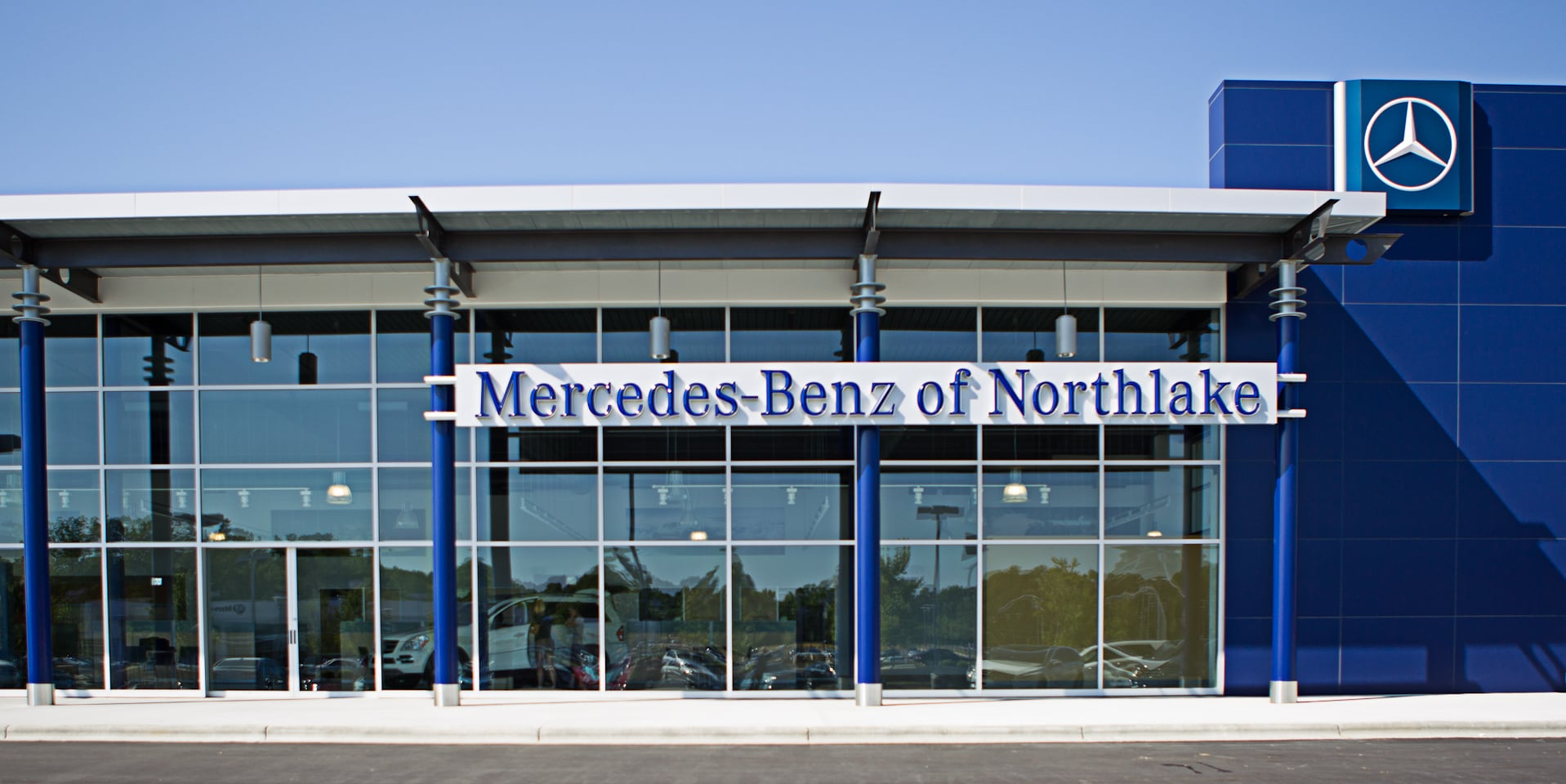 About mercedes benz of northlake new mercedes benz for Mercedes benz dealer northern blvd