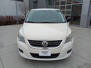 2010 Volkswagen Routan S Minivan