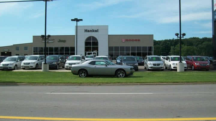 henkel chrysler jeep dodge ram new chrysler dodge jeep ram dealership in battle creek mi 49037. Black Bedroom Furniture Sets. Home Design Ideas