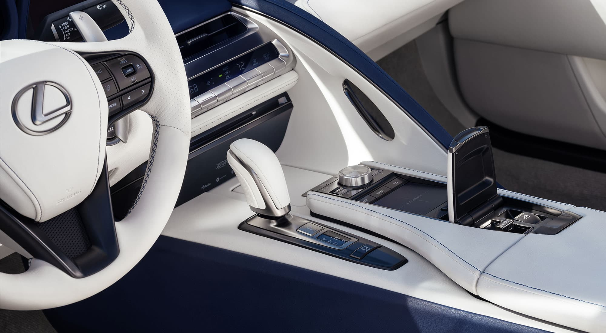 2020 Lexus LC 500 Convertible Center Console