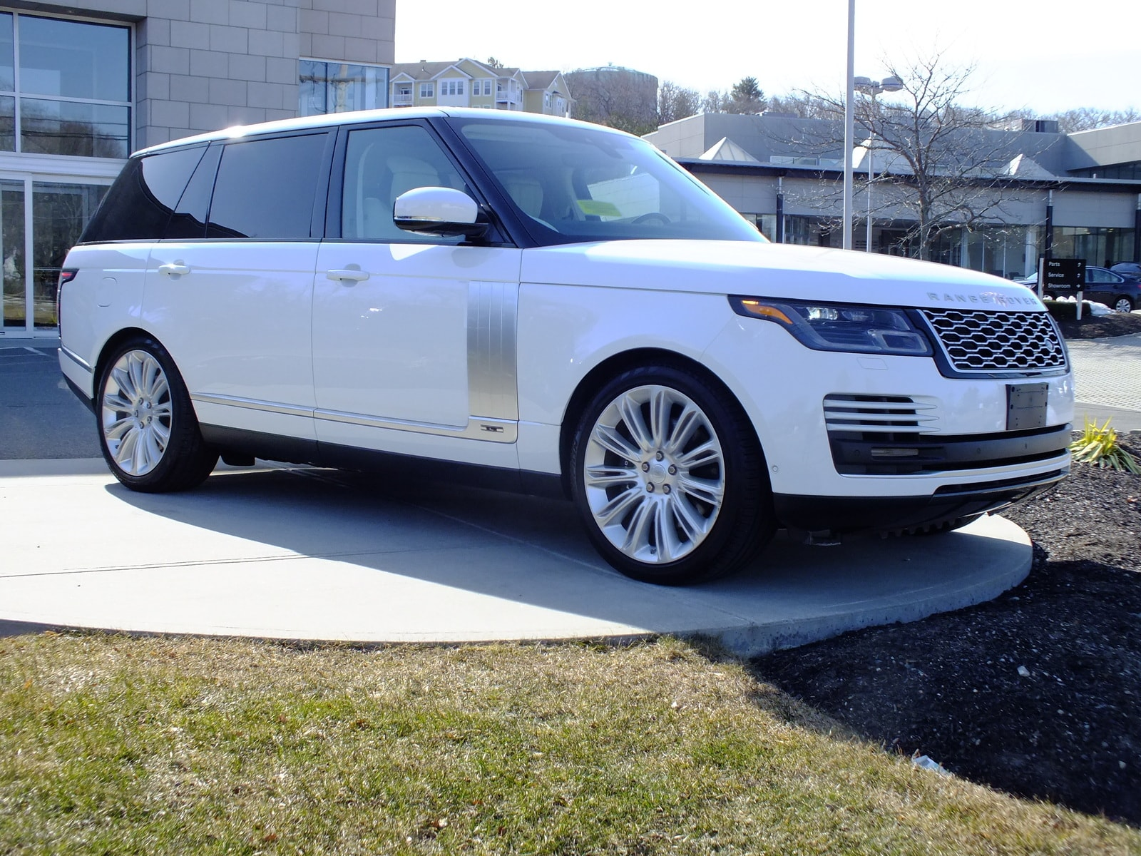 Pre-Owned 2019 Land Rover Range Rover