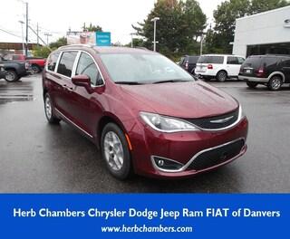 New 2019 Chrysler Pacifica TOURING L PLUS Passenger Van in Danvers near Boston