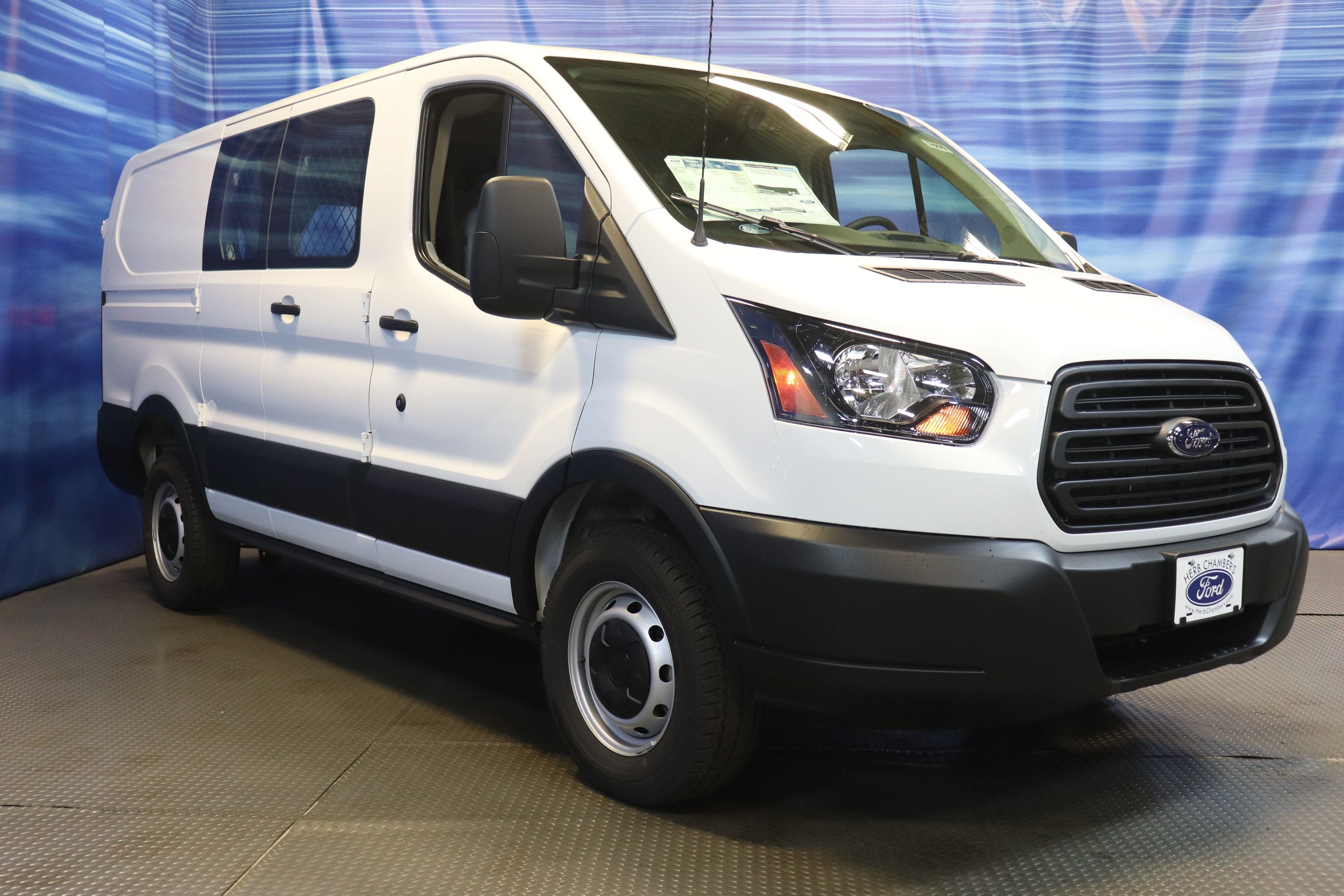 DYNAMIC_PREF_LABEL_INVENTORY_FEATURED_NEW_INVENTORY_FEATURED1_ALTATTRIBUTEBEFORE 2019 Ford Transit-250 Base w/60/40 Pass-Side Cargo Doors Van Low Roof Cargo Van