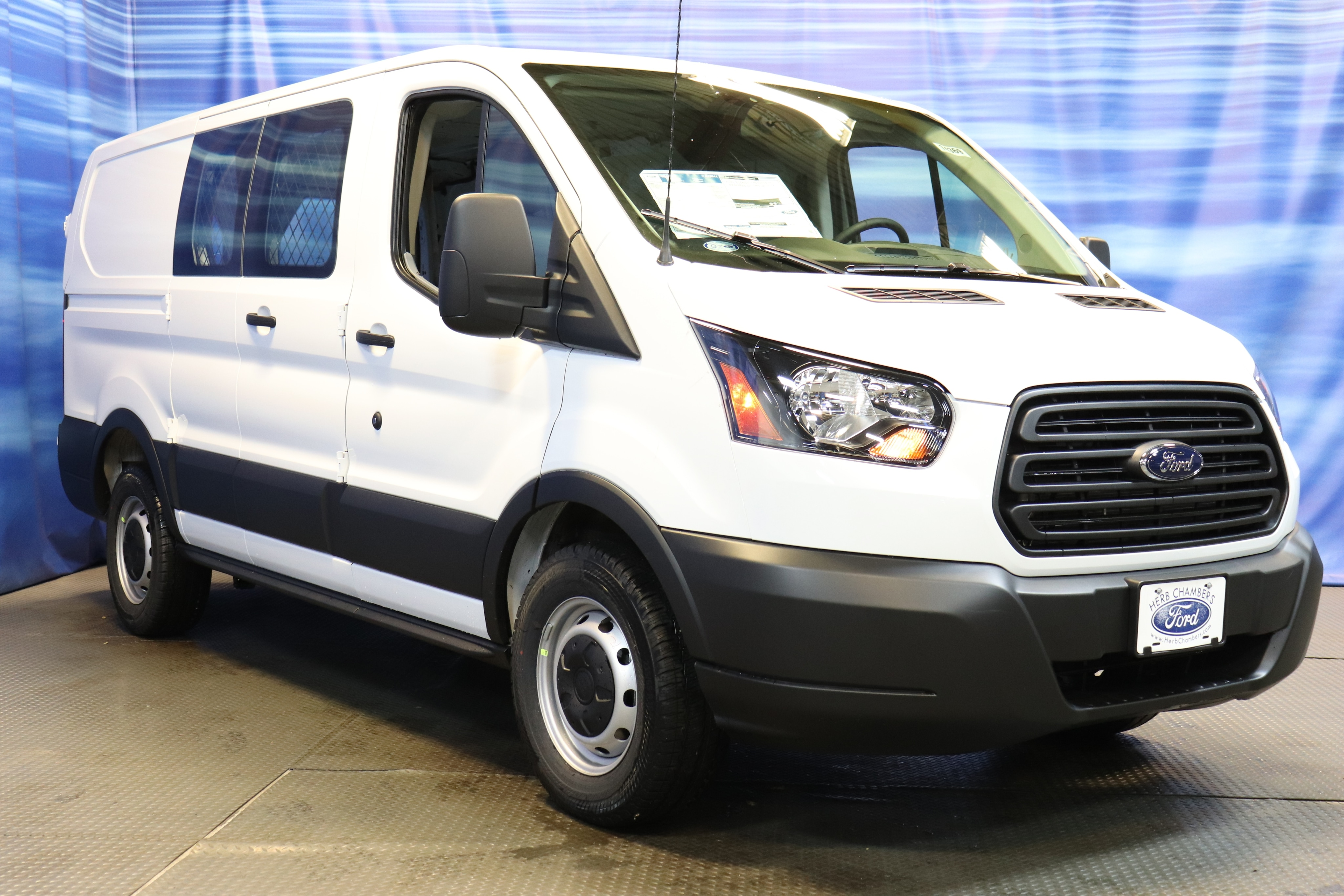2019 ford transit 150 van low roof cargo van