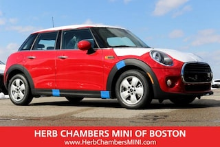 New 2019 MINI Hardtop 4 Door Cooper Classic Hatchback in Boston, MA