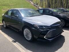New 2019 Toyota Avalon Hybrid Limited Sedan near Boston