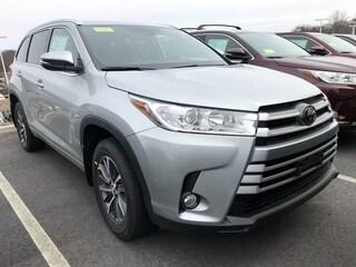 New 2019 Toyota Highlander XLE V6 SUV 271788 near Boston, MA