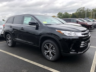 New 2019 Toyota Highlander LE V6 SUV for sale near you in Massachusetts