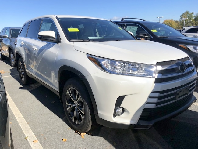 new 2019 toyota highlander for sale in auburn ma near worcester westborough southbridge. Black Bedroom Furniture Sets. Home Design Ideas