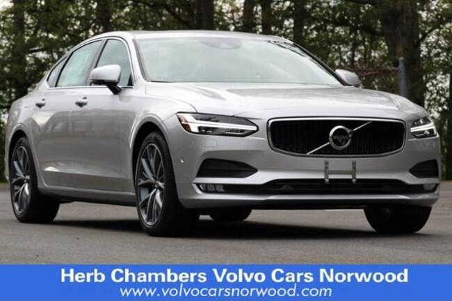 2018 Volvo S90 T6 AWD Momentum Sedan