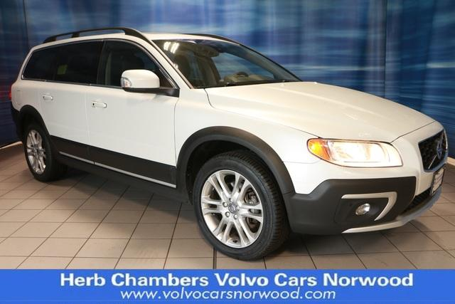 Pre-Owned 2016 Volvo XC70 T5 Platinum Wagon in Westborough