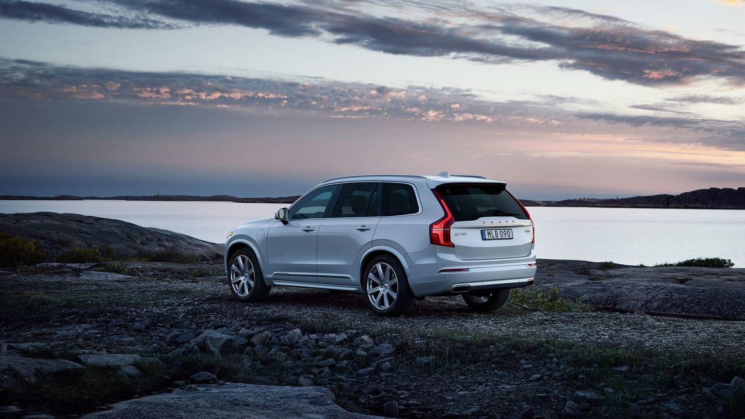 Luxury Suv Face Off 2019 Volvo Xc90 Vs Lexus Rx Volvo Cars Silver