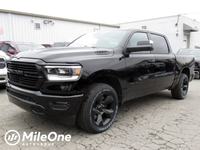 New 2019 Ram 1500 BIG HORN / LONE STAR CREW CAB 4X4 5'7 BOX Crew Cab Owings Mills