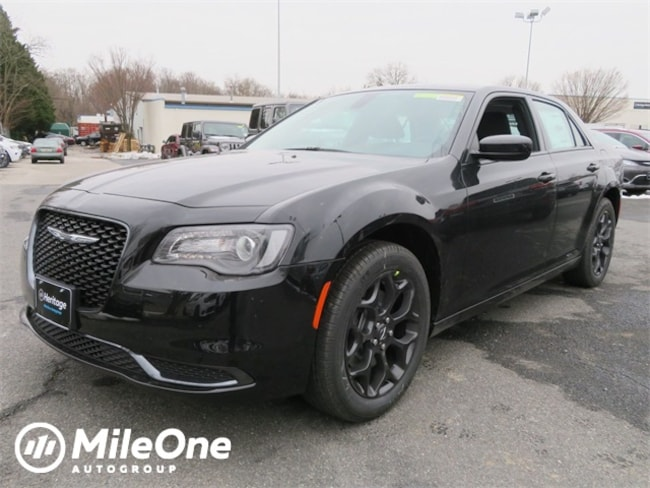 New 2019 Chrysler 300 TOURING AWD Sedan Owings Mills