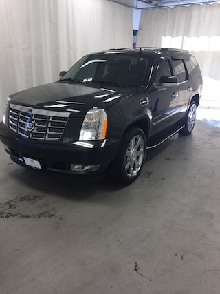 Used 2010 CADILLAC ESCALADE For Sale in Morrow