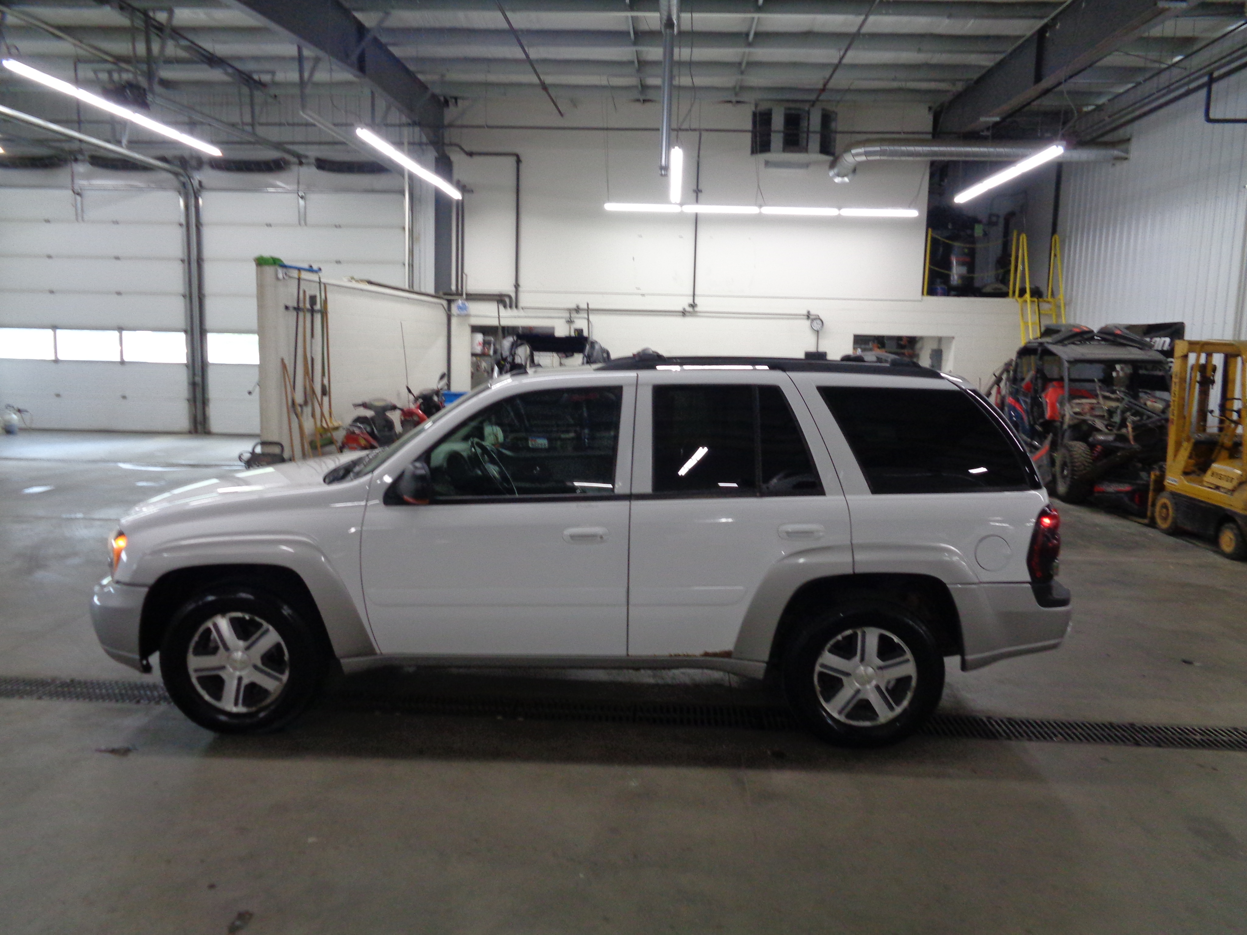 Used 2005 Chevrolet TrailBlazer LS with VIN 1GNDT13S952142278 for sale in Luverne, Minnesota