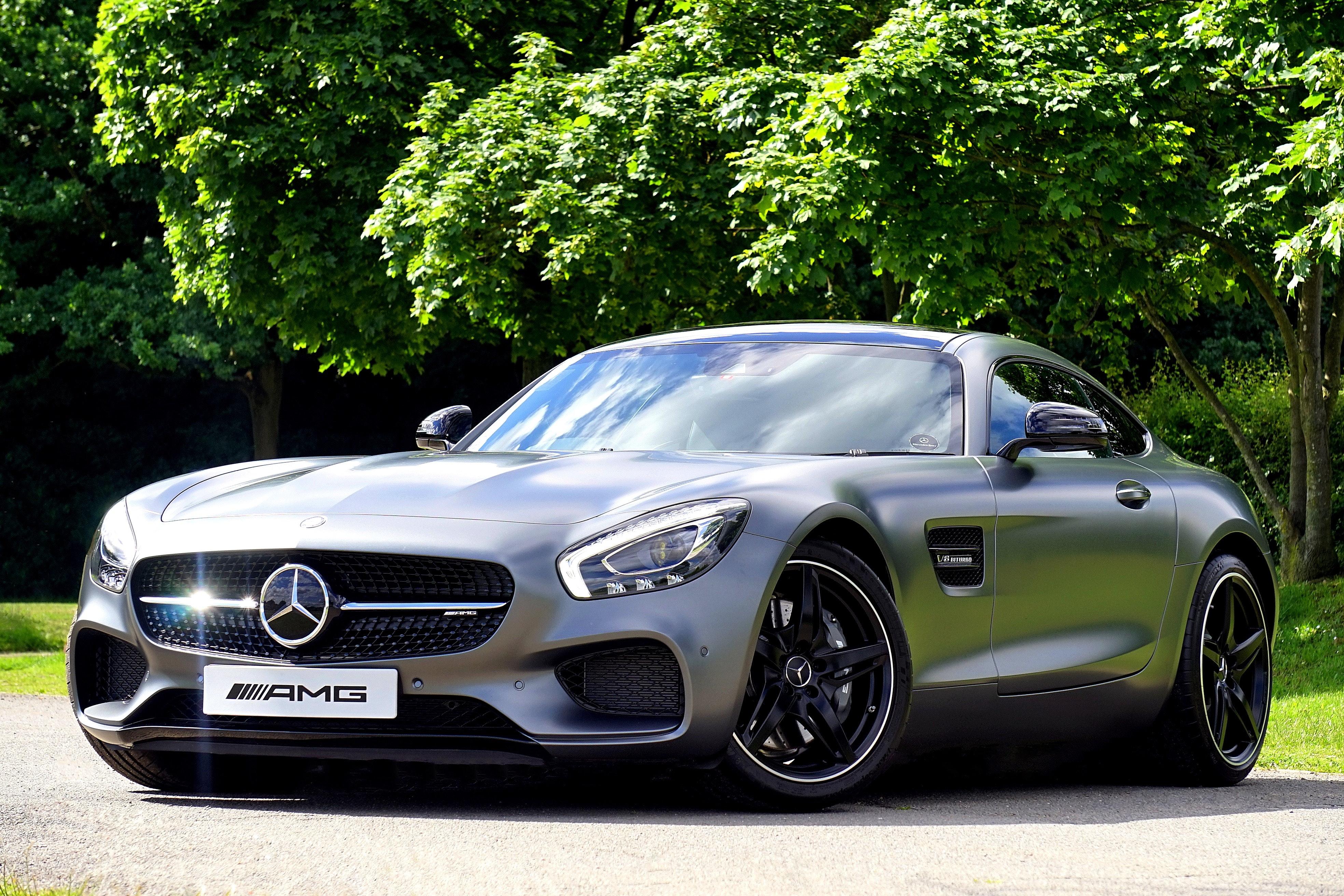 Mercedes-Benz on Asphalt