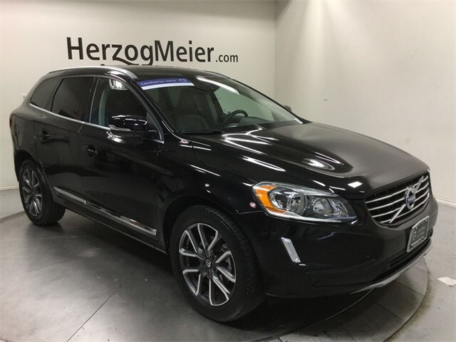 Featured Pre-Owned 2016 Volvo XC60 T6 Drive-E SUV for sale in Beaverton, OR
