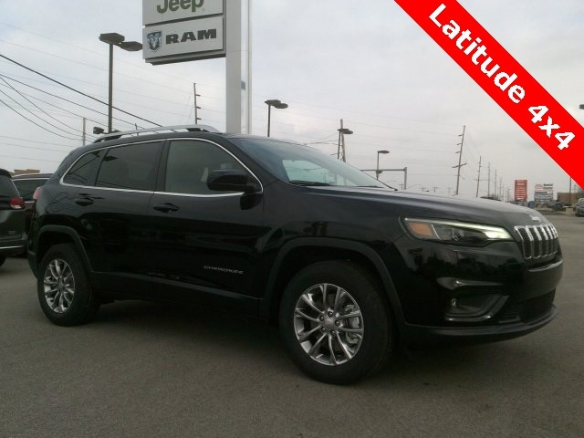 Featured New 2019 Jeep Cherokee LATITUDE PLUS 4X4 Sport Utility for sale in Bluffton, IN