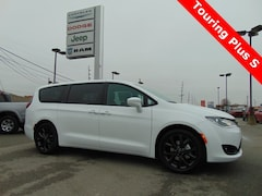 New 2019 Chrysler Pacifica TOURING PLUS Passenger Van 19037 for sale in Bluffton, IN