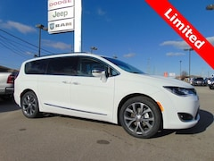New 2019 Chrysler Pacifica LIMITED Passenger Van 19047 for sale in Bluffton, IN