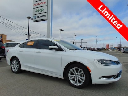 Chrysler 200 Limited >> Certified Pre Owned 2016 Chrysler 200 Limited Bluffton In Vin