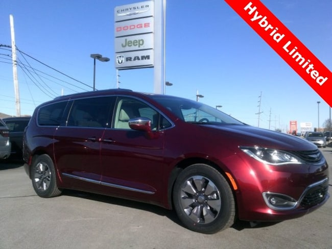 New 2018 Chrysler Pacifica Hybrid LIMITED Passenger Van in Bluffton, IN