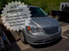 2011 Chrysler Town & Country Touring Wagon