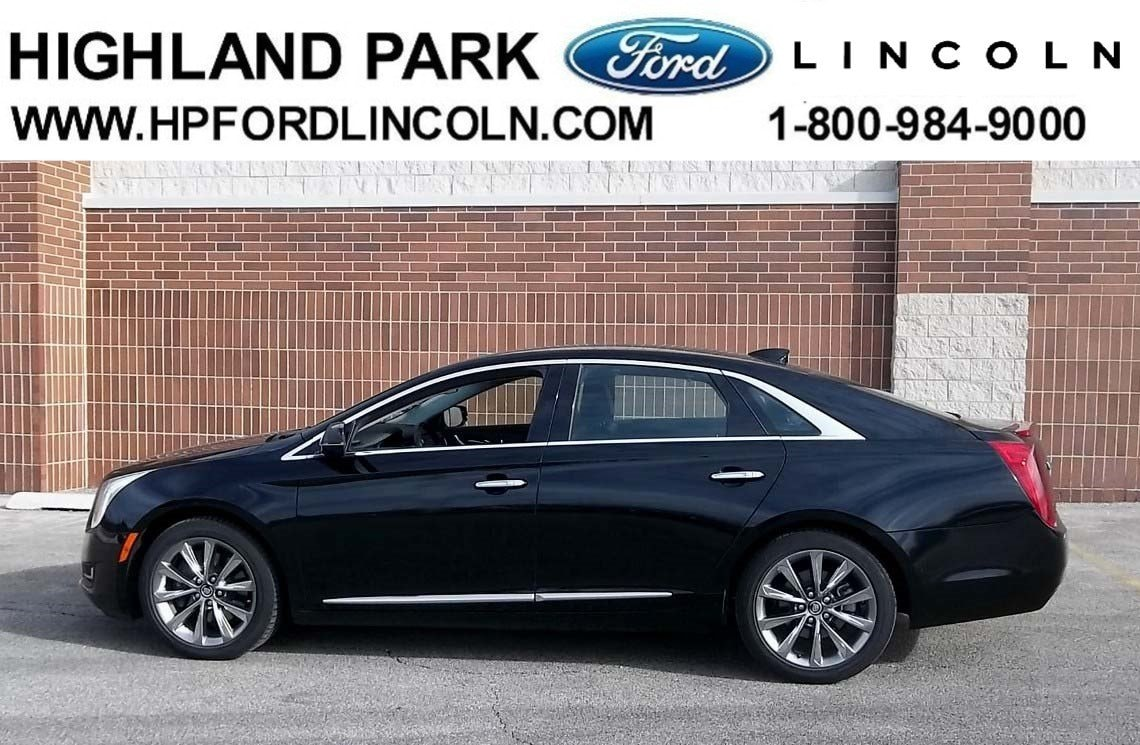2014 CADILLAC XTS Livery Package Sedan