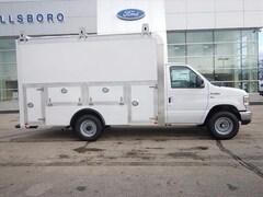 2018 Ford E-Series Cutaway E-350 DRW 138 WB E-350 SD  138 in. WB SRW Cutaway Chassis