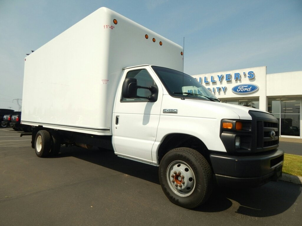 2014 Ford E-450 Cutaway Base DRW Truck