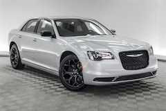 new 2019 Chrysler 300 TOURING Sedan for sale in Hardeeville