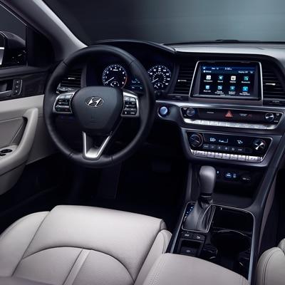 Compare 2018 Hyundai Sonata vs Toyota Corolla near Bluffton