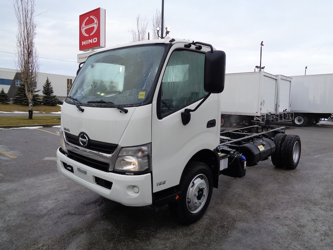 2019 HINO 195-149 cab and chassis
