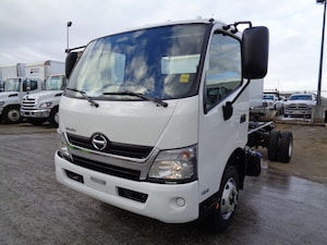 2019 HINO 155-149 cab and chassis