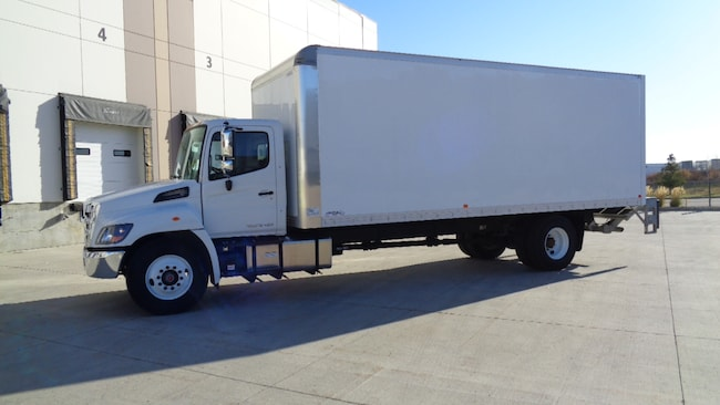 2019 HINO 338/271 24ft, Lift Gate, Ramp,back up camera