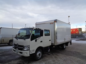2016 HINO 195-173, Crew Cab, 14ft Van Body, Lift Gate