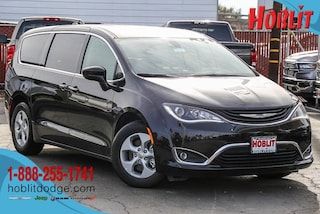 2018 Chrysler Pacifica Hybrid TOURING PLUS Passenger Van