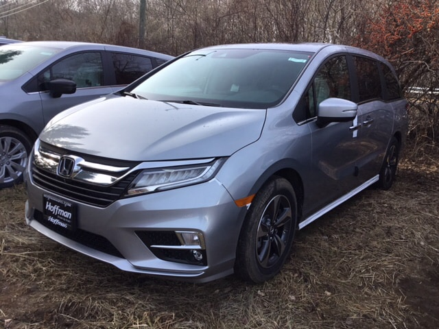 New 2019 Honda Odyssey Touring Van 5FNRL6H8XKB054826 in West Simsbury