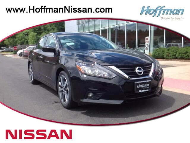 New 2016 Nissan Altima 2.5 SR Sedan in West Simsbury