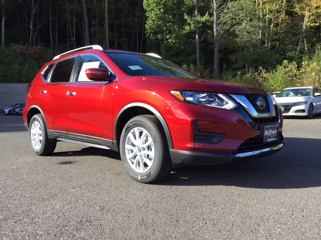 New 2019 Nissan Rogue SV SUV in West Simsbury