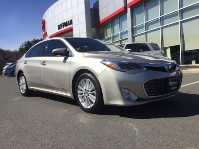 Used 2014 Toyota Avalon Hybrid Limited  Sedan near Hartford