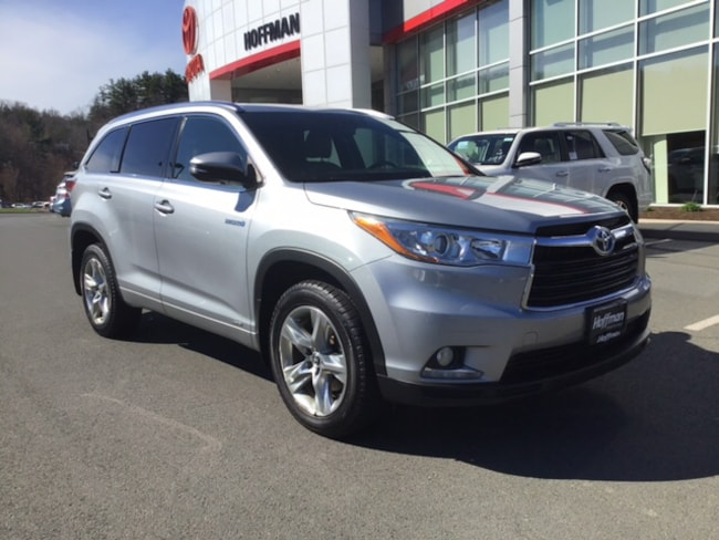 Used 2016 Toyota Highlander Hybrid Limited SUV near Hartford