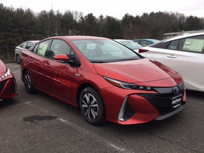 New 2018 Toyota Prius Prime Plus Hatchback near Hartford