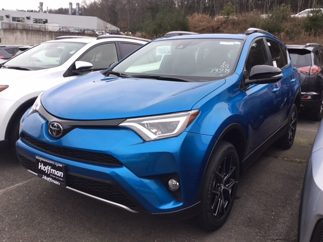 New 2018 Toyota RAV4 SE SUV near Hartford