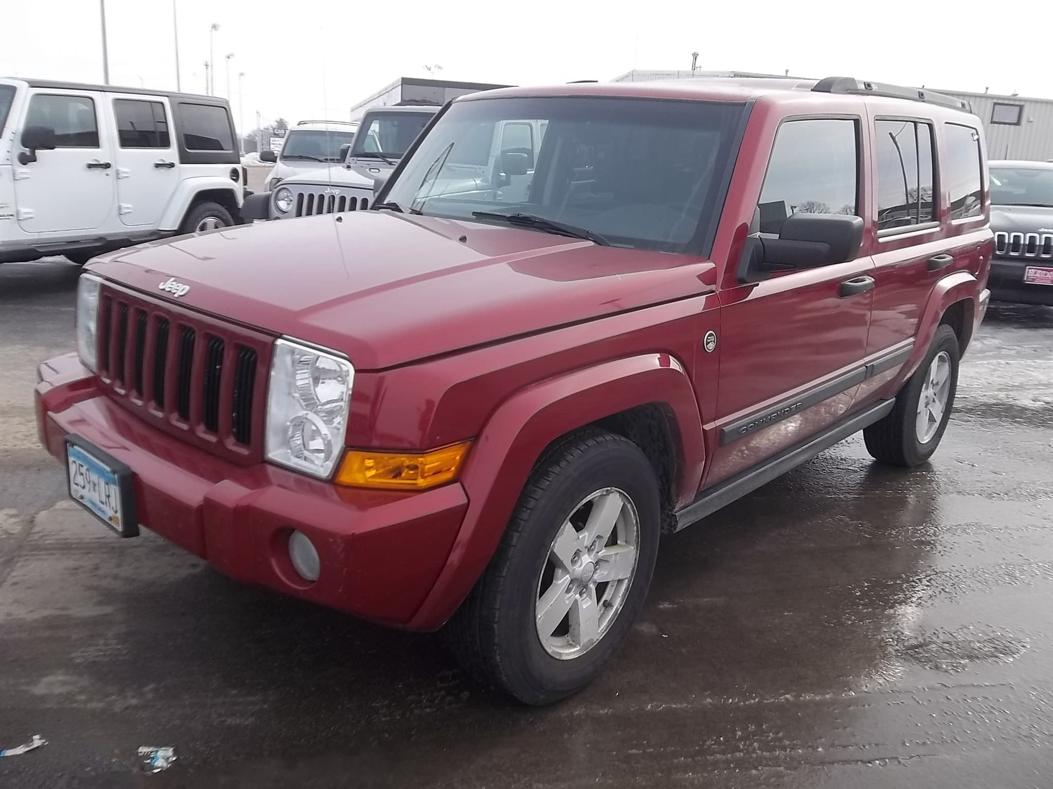 used 2006 jeep commander for sale austin mn vin 1j8hg48n96c228665. Black Bedroom Furniture Sets. Home Design Ideas